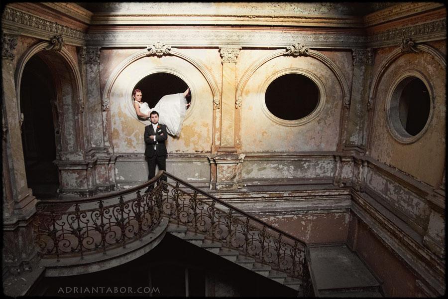 sesja plenerowa wnętrza pałacu