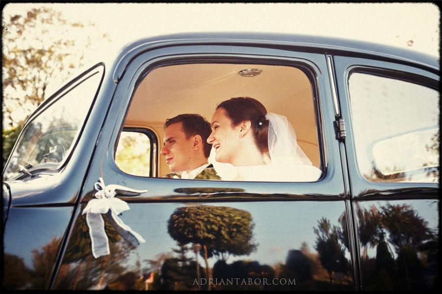 Fotografia Ślubna w Samochodzie